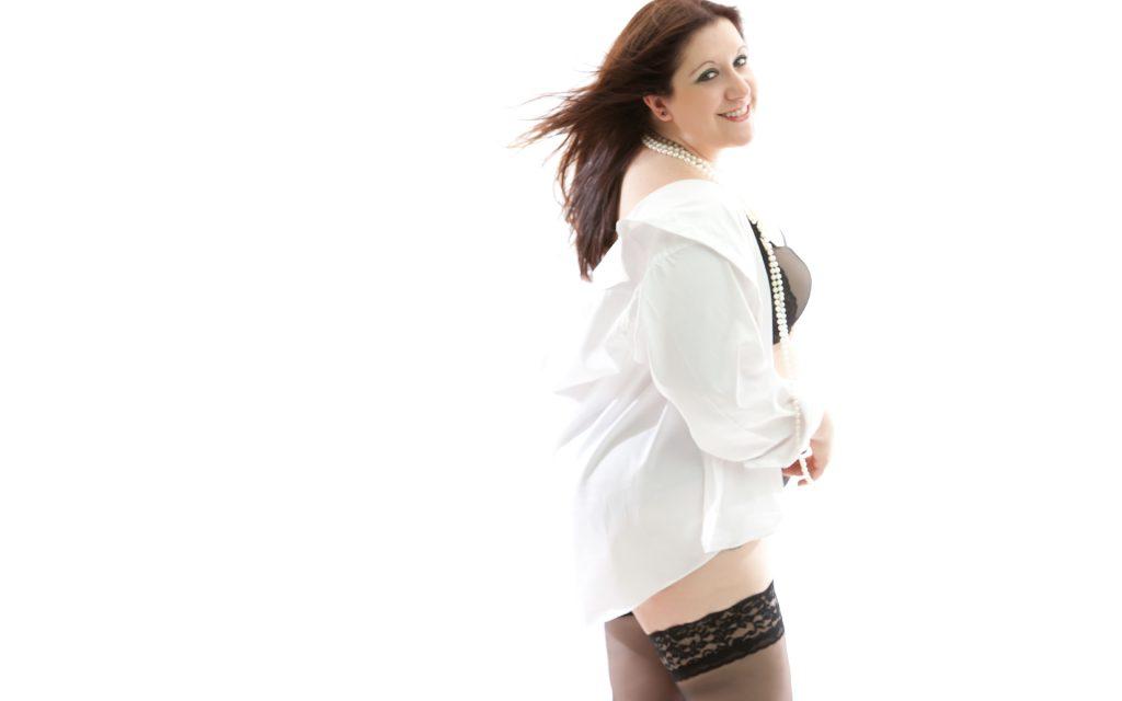 pears-lingerie-men-shirt-sexy-boudoir-photos-women-juliati