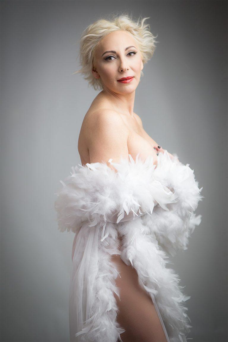 boudoir-nude-photos-white-feathers-gown-juliati-photography