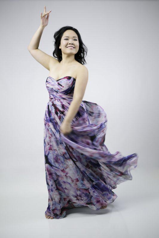 dancer-glamour-headshot-personal-branding-juliati-photography