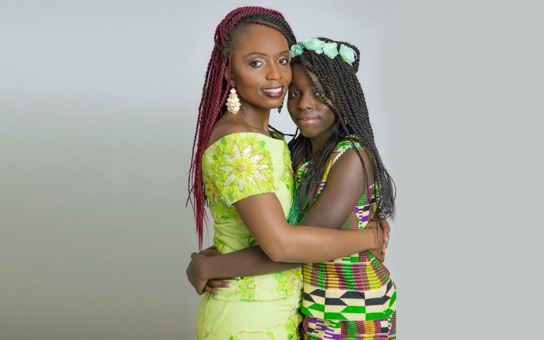 african-color-dresses-mother-daughter-photos-juliati-photography