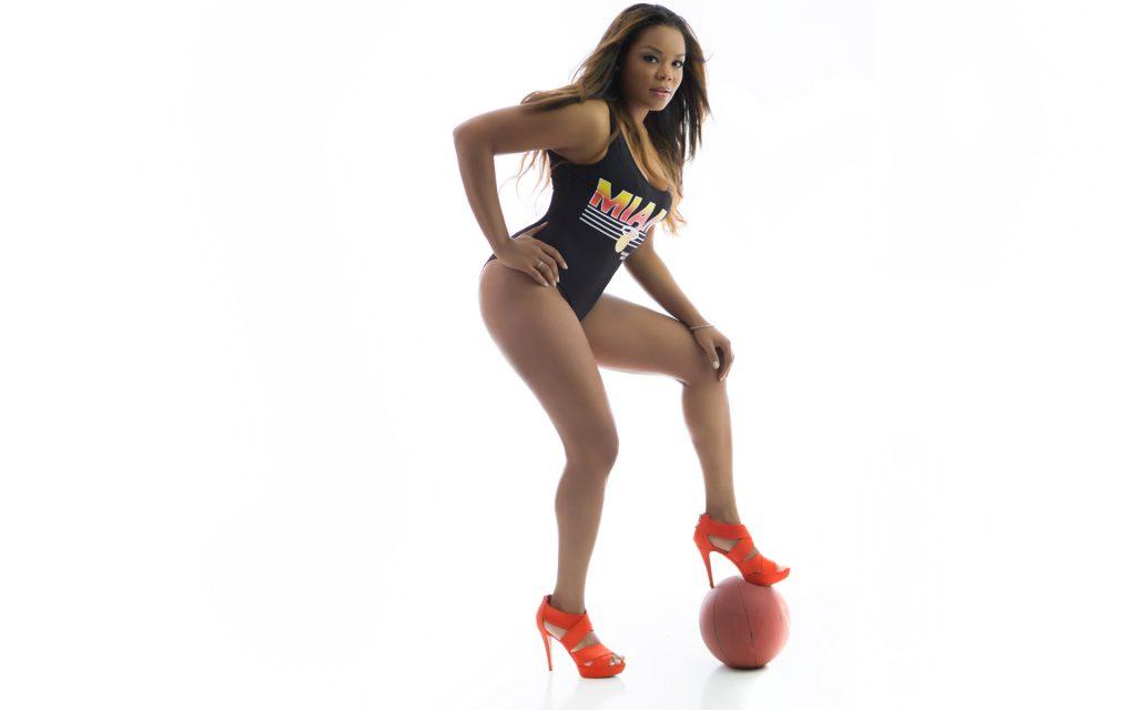 basketball-fitness-model-swim-suite-photos-juliati-photography