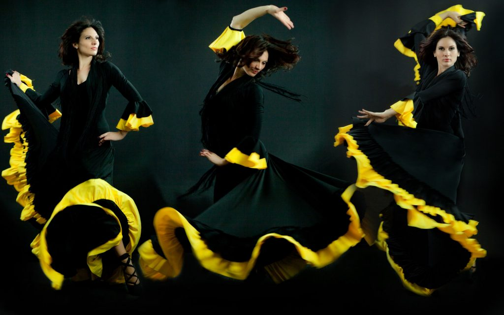 flamenco-women-dancers-movement-photo-juliati-portrait-photography