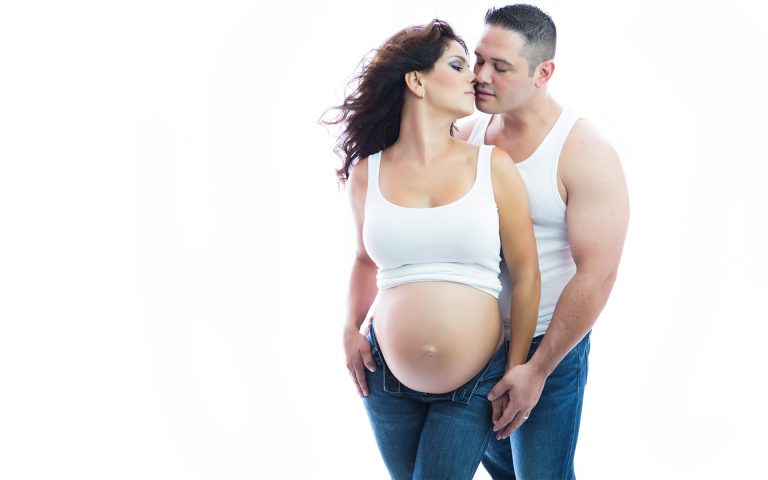 couple-maternity-pregnancy-photos-photography-juliati