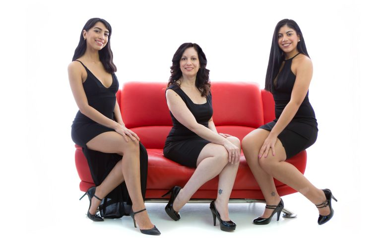 glamour-fashion-mother-daughters-photos-juliati-portrait-photography