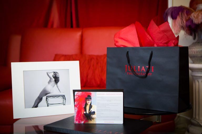 boudoir-nude-photoshoot-gift-certificate-juliati-photography