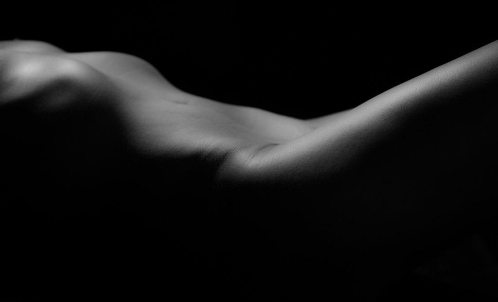 black-white-nude-photos-portraits-juliati-photography