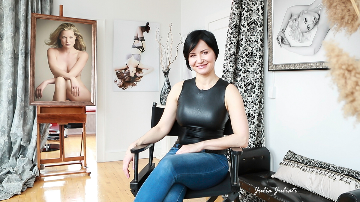 julia-juliati-photographer-portraits-women-boudoir-glamour-artistic-nudes