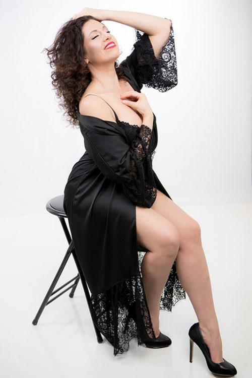 boudoir-sensual-intimate-photography-lingerie-woman-portraits-julaiti