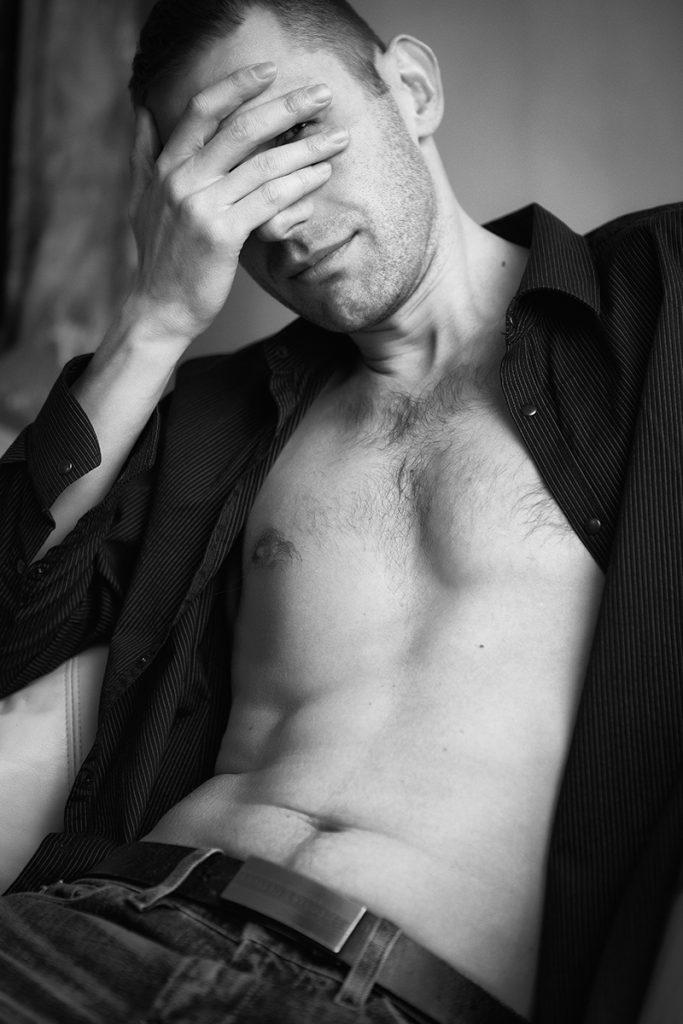 men-photos-sexy-body-gq-style-juliati-photography